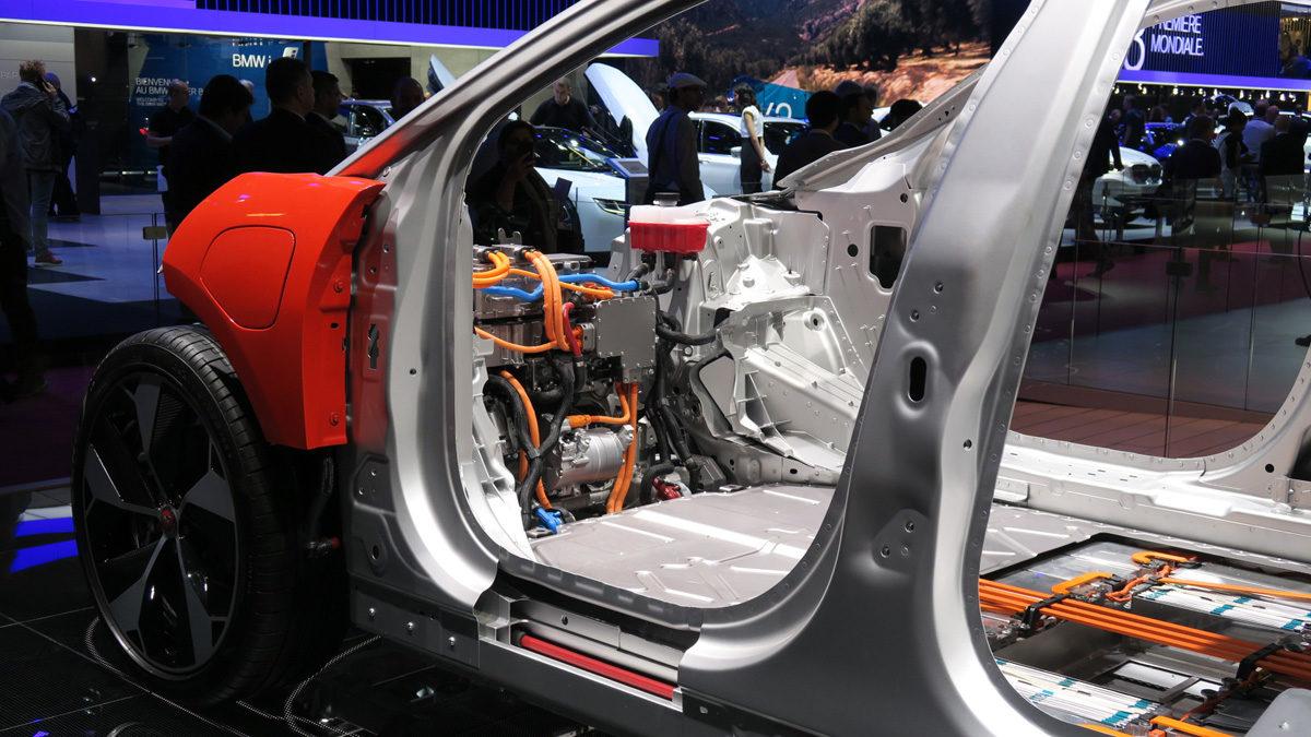 Jaguar I-Pace HSE. Fra Geneve Motor Show, hvor vi kunne studere konstruksjonen. Foto: ©Morten Larsen