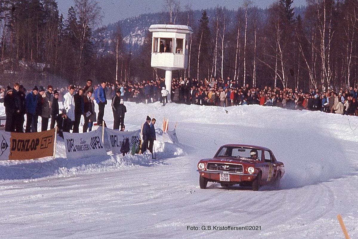 Trond Schea skapte både Julaften og Påskestemning på Øvrevoll galoppbane. Foto: ©Gunnar Berg Kristoffersen