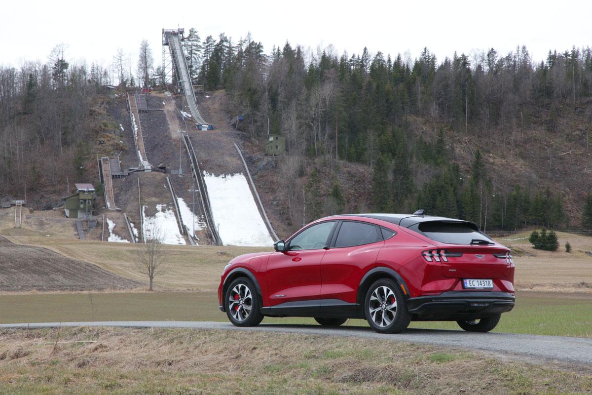 Ford Mustang Mach-E gir et solid og flott uttrykk. Foto: Morten Larsen