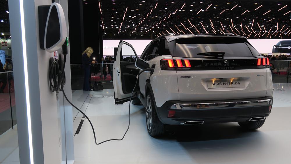 Peugeot 3008 4×4 hybrid 2019